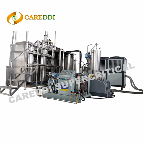 Machine d'extraction de CO2 supercritique de taille moyenne 100L (50Lx2)